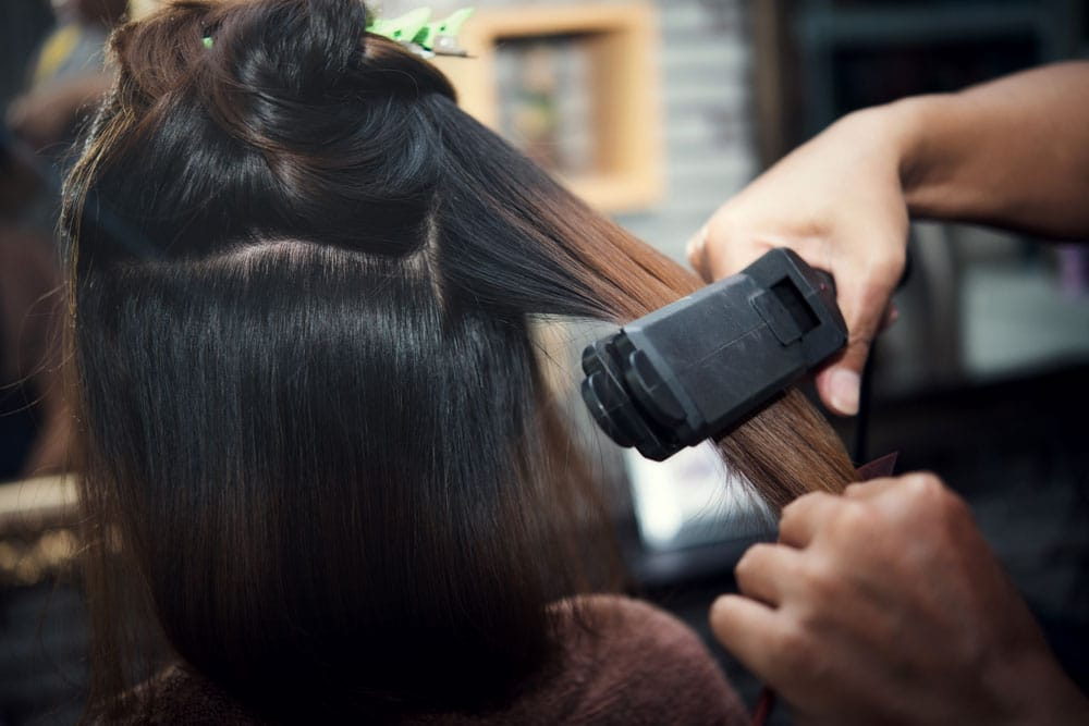החלקת קראטין ללא פורמלין - המומחים להחלקות שיער - החלקה אורגנית, החלקת קראטין, החלקה יפנית והחלקת משי